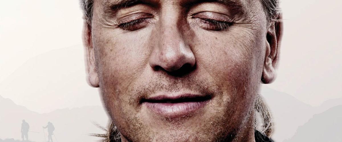 """Andy Holzer """"unter Blinden"""" auf dem Mount Everest"""